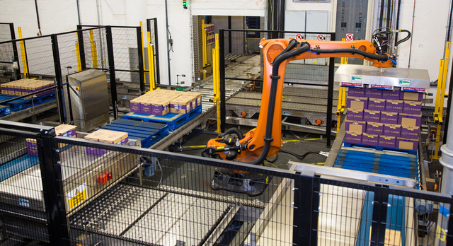 A Robotic Palletiser Sysytem by Kensal for Manor Bakeries